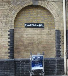 800px-Harry_Potter_Platform_Kings_Cross