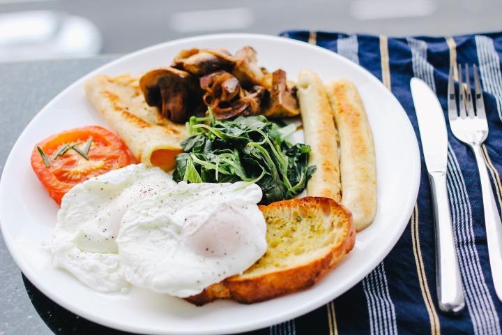 breakfast-1246686_1920.jpg